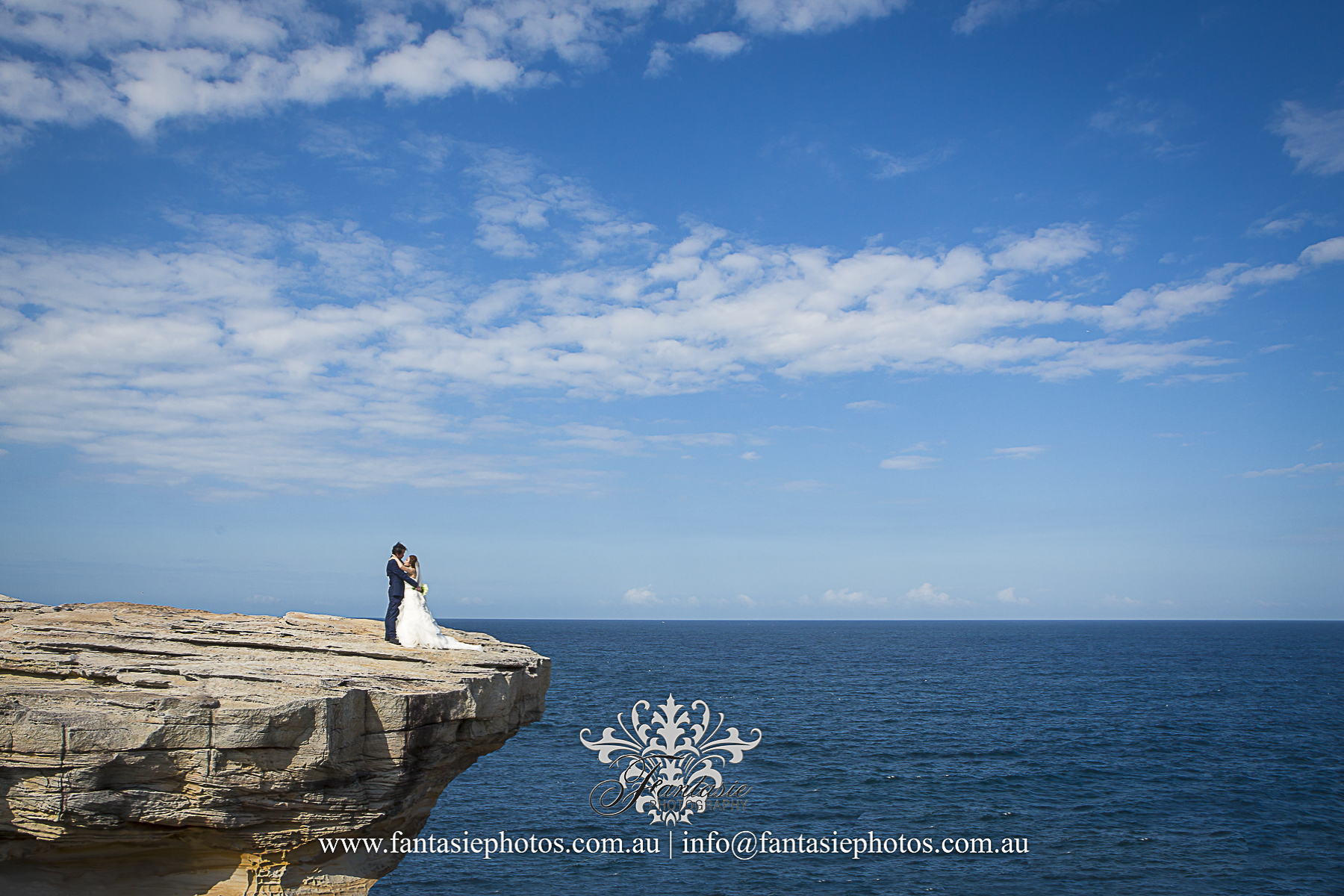 wedding photography jack vanny memorial park Maroubra cliff shoot