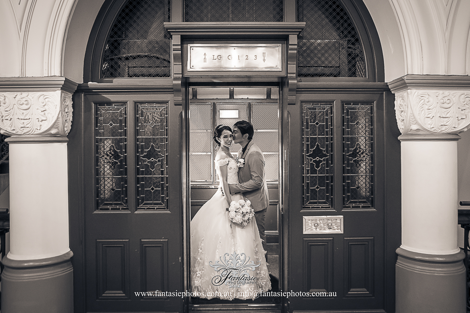 Classic Wedding Photography at Cage Lift Tea Room QVB Wedding Venue