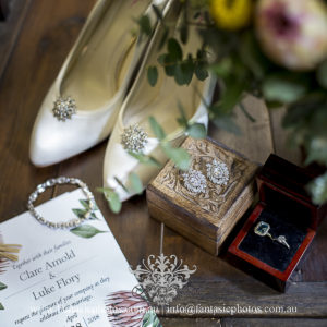 Bride's jewelry and accessories