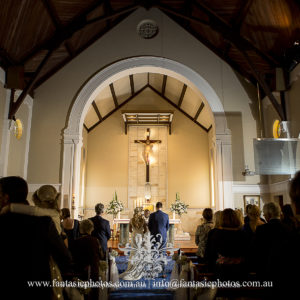 Wedding ceremony at Blessed Sacrament Catholic Church Clifton Gardens| Fantasie Photography